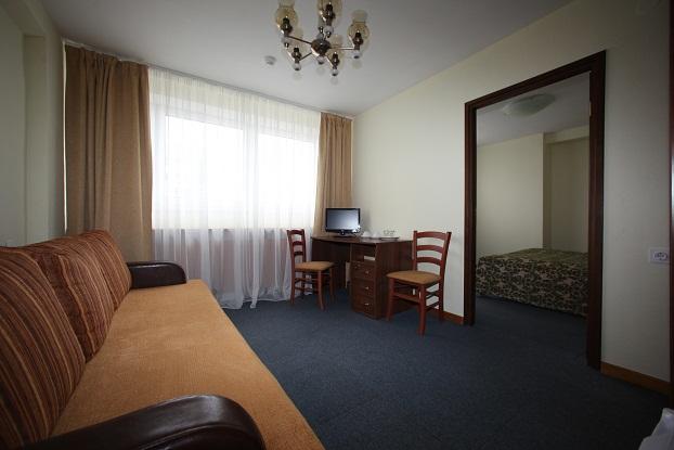 Вместительный стандарт двухместный в гостинице Металлург